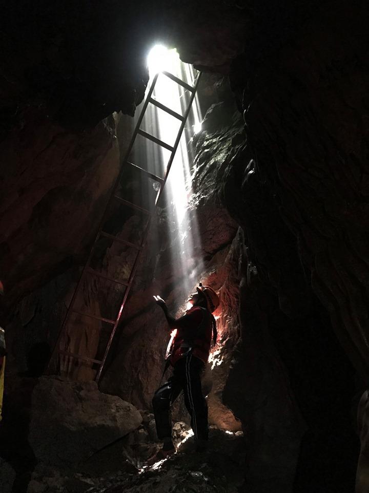 Hang động Quảng Bình